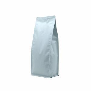 Упаковка для кофе на 500 г белого цвета